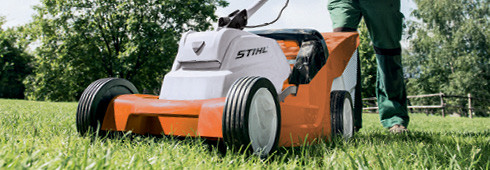 The new STIHL RMA 410 C cordless lawn mower